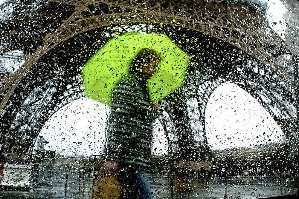 fotografia-citta-mondo-pioggia-christophe-jacrot-03