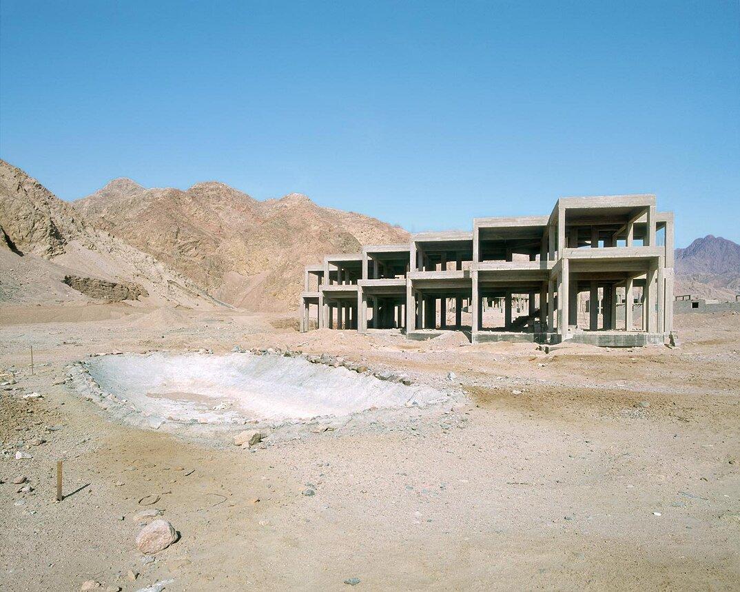 fotografia-hotel-abbandonati-deserto-egitto-haubitz-zoche-02