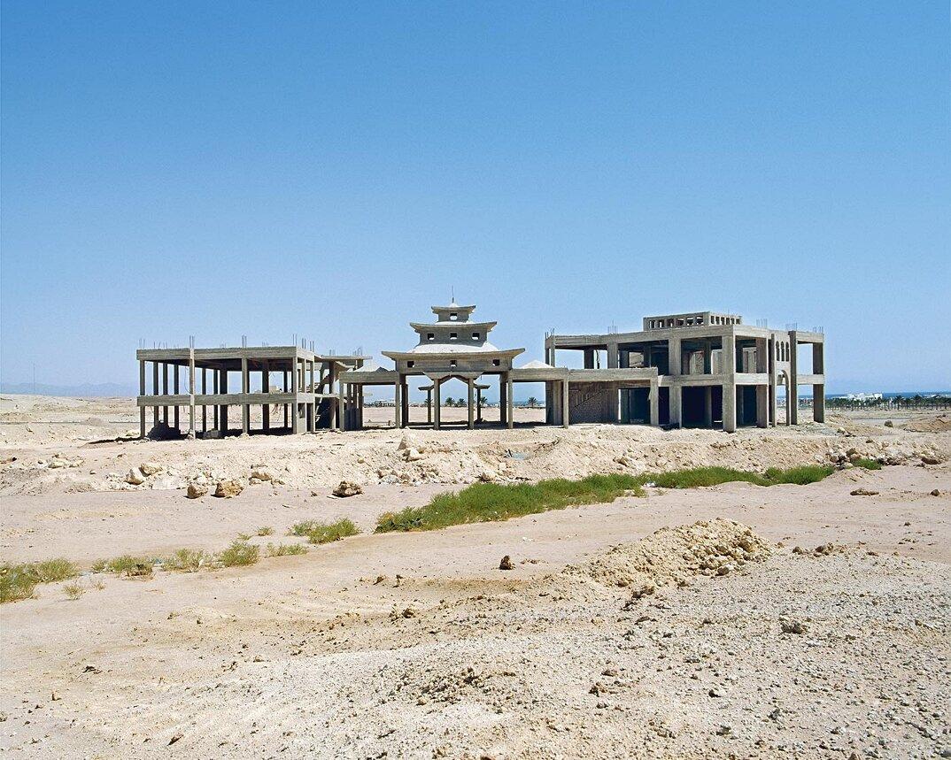 fotografia-hotel-abbandonati-deserto-egitto-haubitz-zoche-03