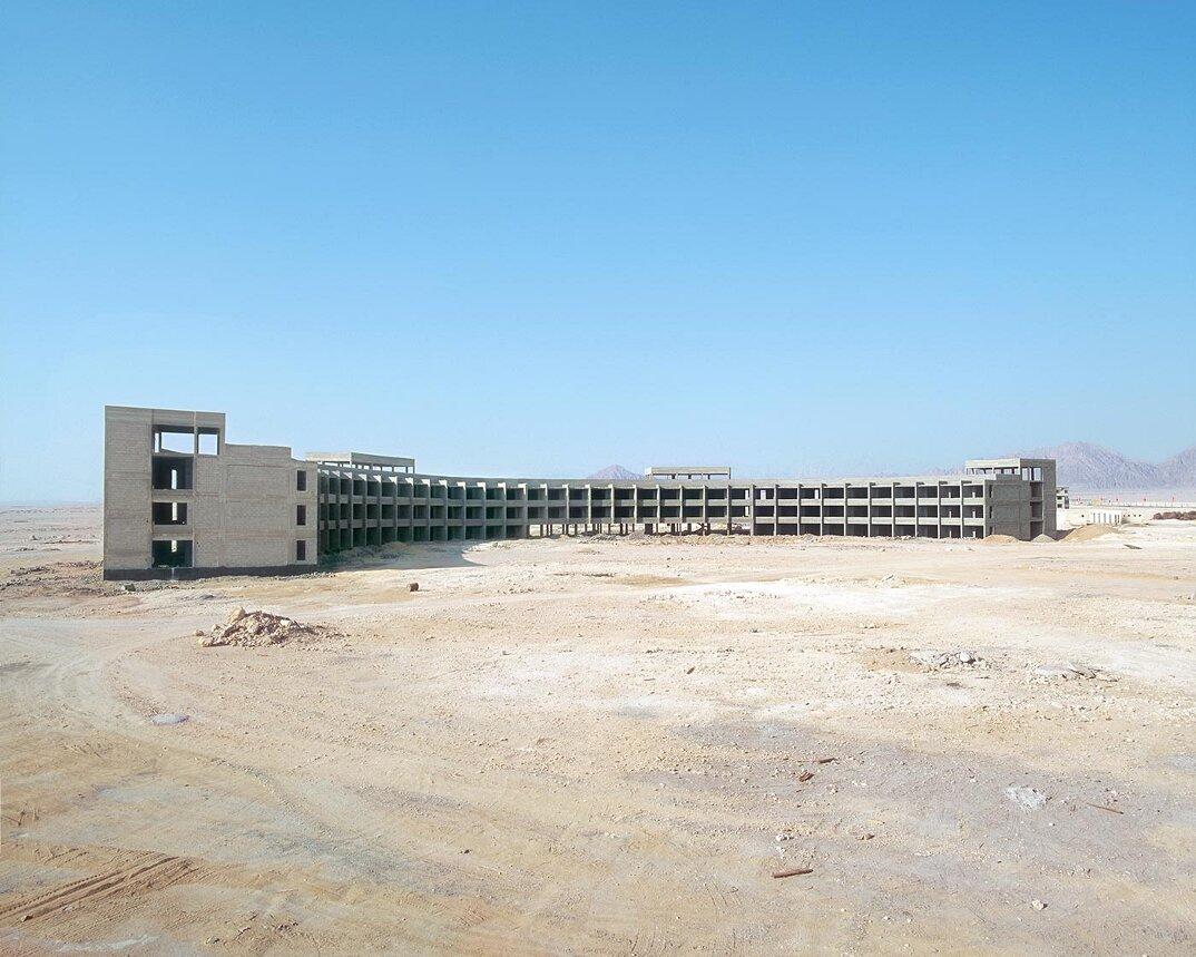 fotografia-hotel-abbandonati-deserto-egitto-haubitz-zoche-11
