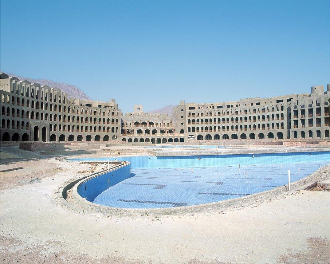fotografia-hotel-abbandonati-deserto-egitto-haubitz-zoche-19