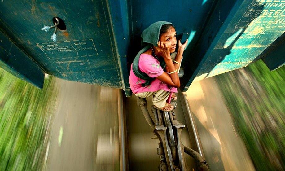 fotografia-lavoratori-bangladesh-tetto-treno-gmb-akash-08