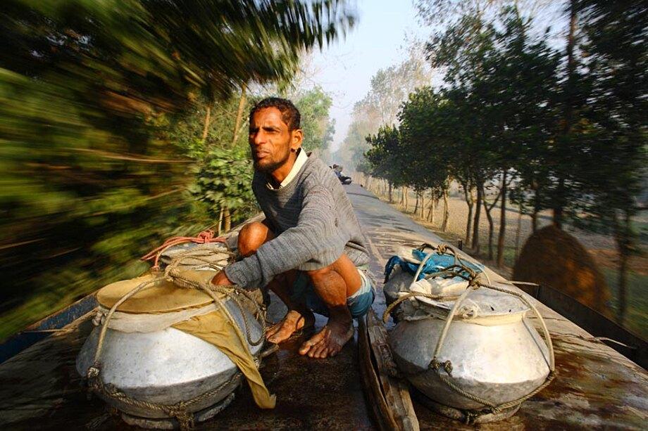 fotografia-lavoratori-bangladesh-tetto-treno-gmb-akash-09