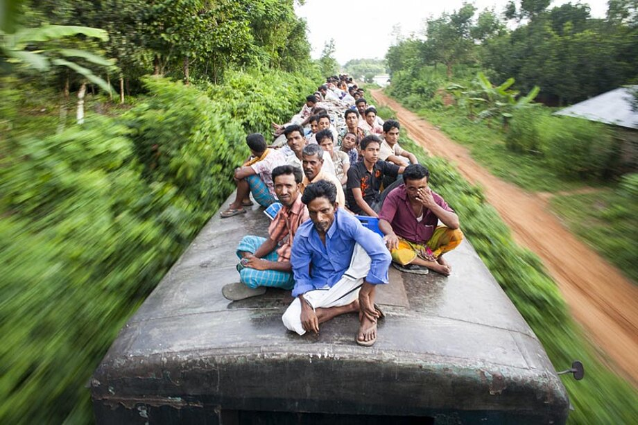 fotografia-lavoratori-bangladesh-tetto-treno-gmb-akash-10