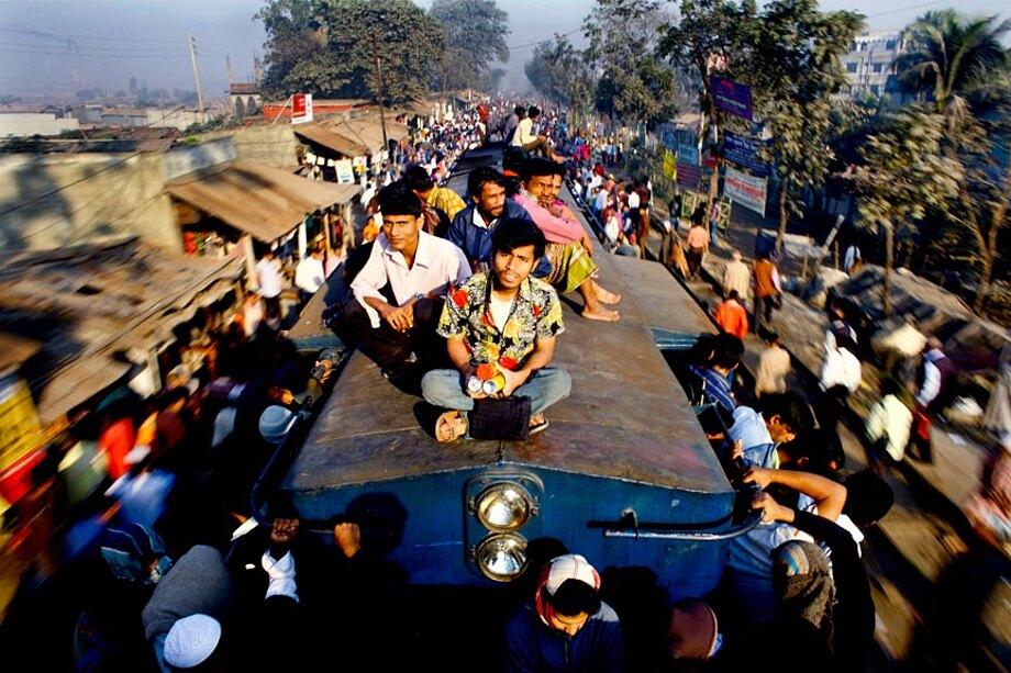 fotografia-lavoratori-bangladesh-tetto-treno-gmb-akash-13
