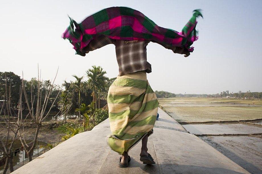 fotografia-lavoratori-bangladesh-tetto-treno-gmb-akash-14