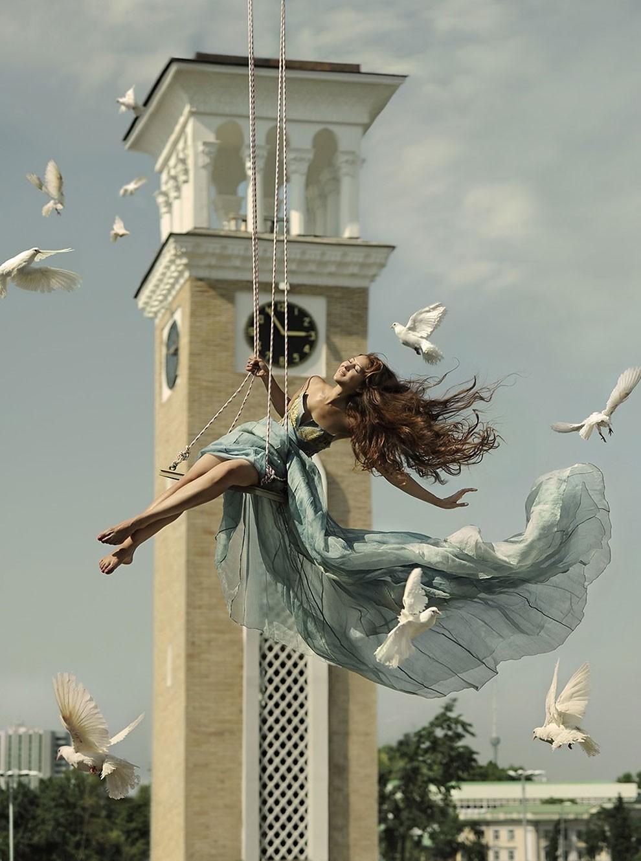 fotografia-surreale-leggerezza-donne-ravshaniya-azoulay-06