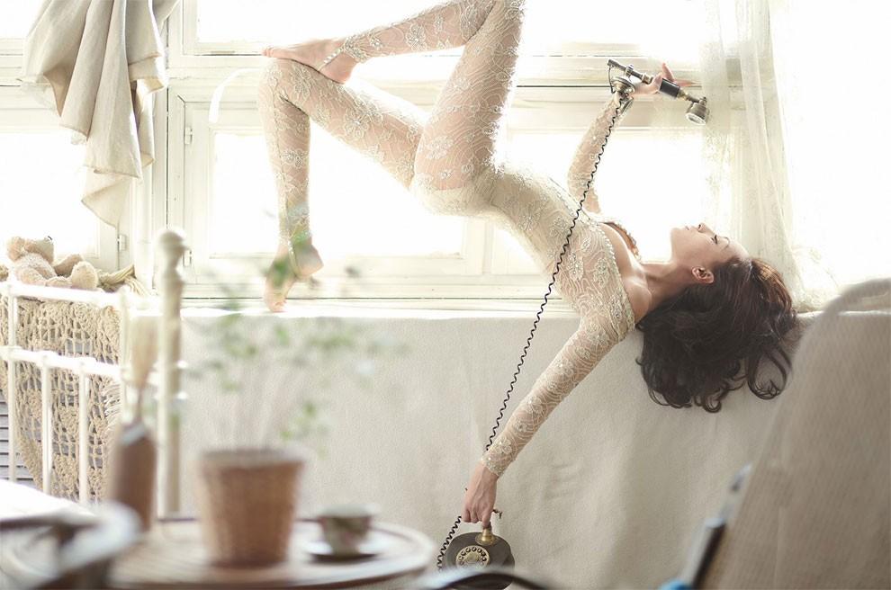 fotografia-surreale-leggerezza-donne-ravshaniya-azoulay-17