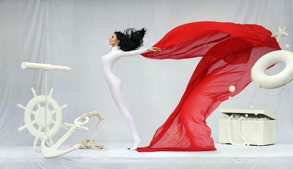 fotografia-surreale-leggerezza-donne-ravshaniya-azoulay-24