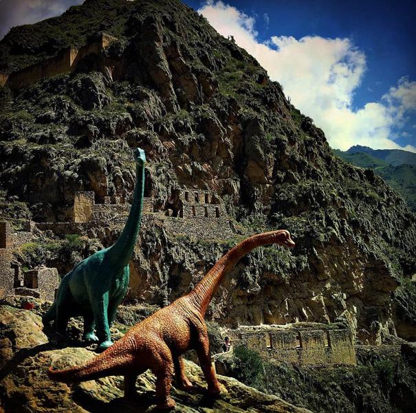 fotografia-viaggi-dinosauri-giocattoli-dinodinaseries-jorge-saenz-02