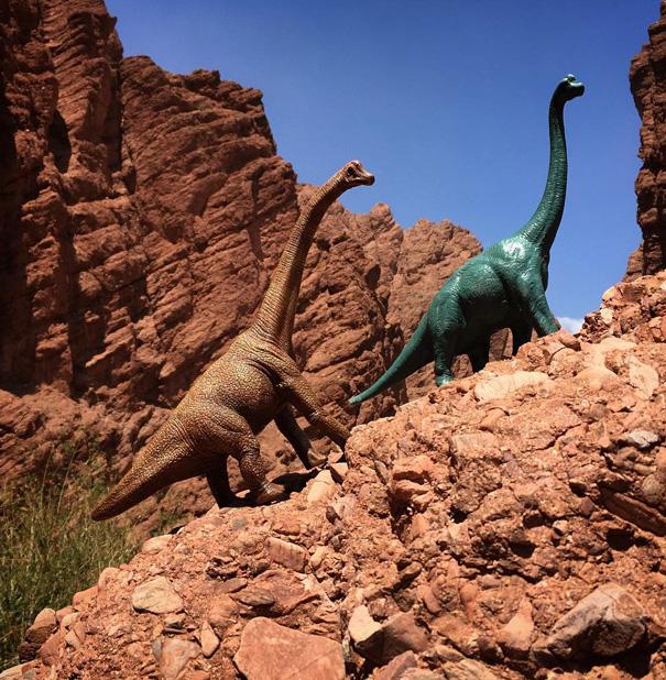 fotografia-viaggi-dinosauri-giocattoli-dinodinaseries-jorge-saenz-04