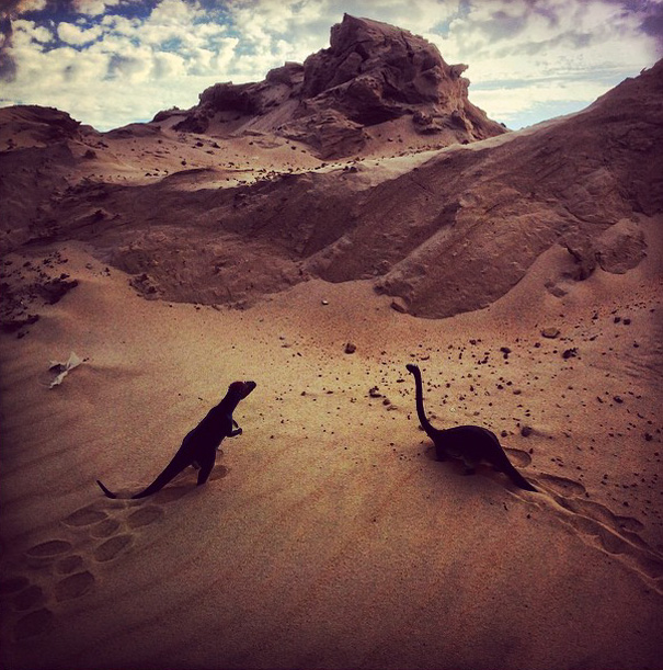 fotografia-viaggi-dinosauri-giocattoli-dinodinaseries-jorge-saenz-10
