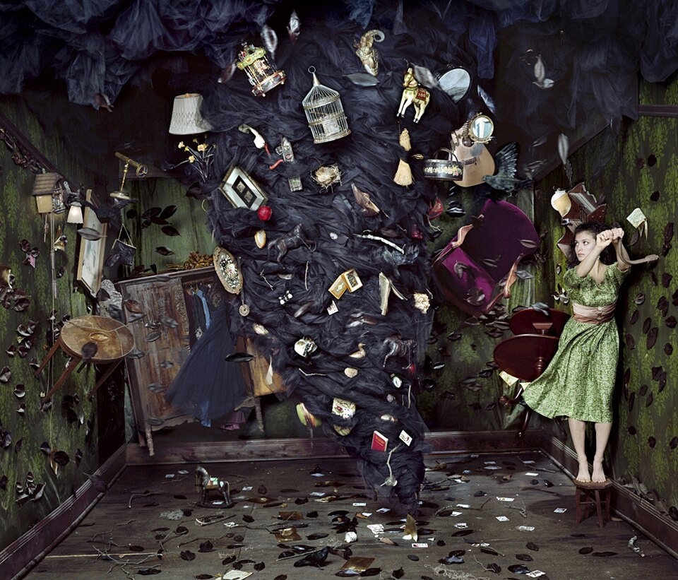 installazioni-scene-surreali-fiabesche-dorothy-oconnor-10