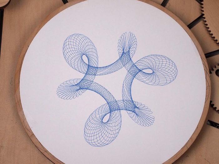 macchina-disegno-legno-manovella-cycloid-drawing-machine-1