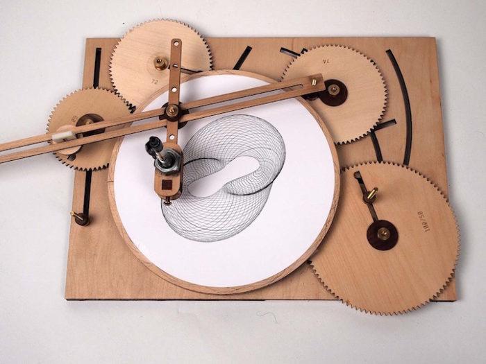macchina-disegno-legno-manovella-cycloid-drawing-machine-2