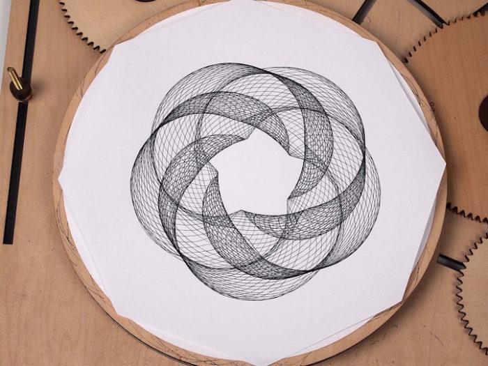 macchina-disegno-legno-manovella-cycloid-drawing-machine-3