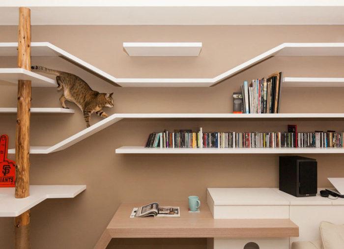 Delle mensole personalizzate per far felice il gatto keblog for Mensole libreria