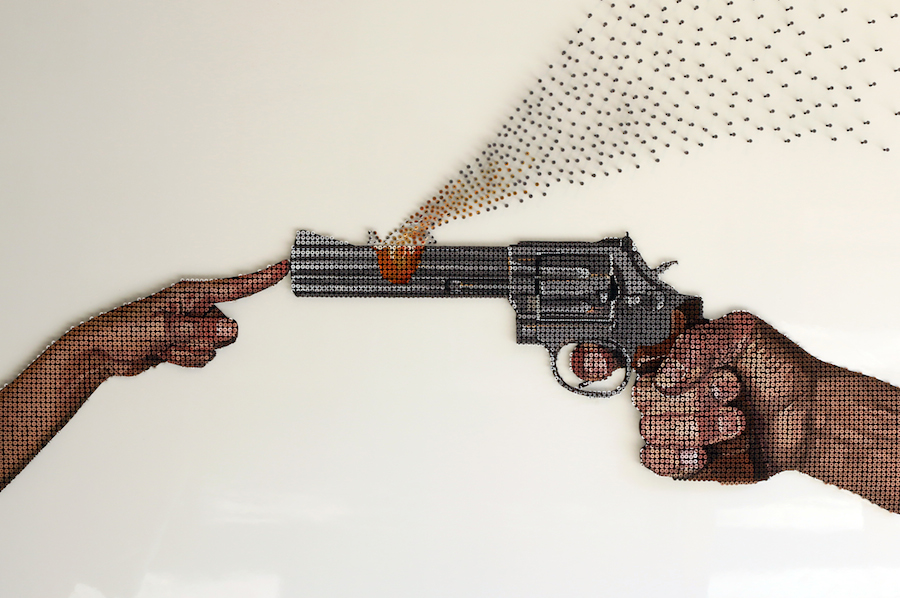 scultura-viti-pistola-amore-pace-andrew-myers-1
