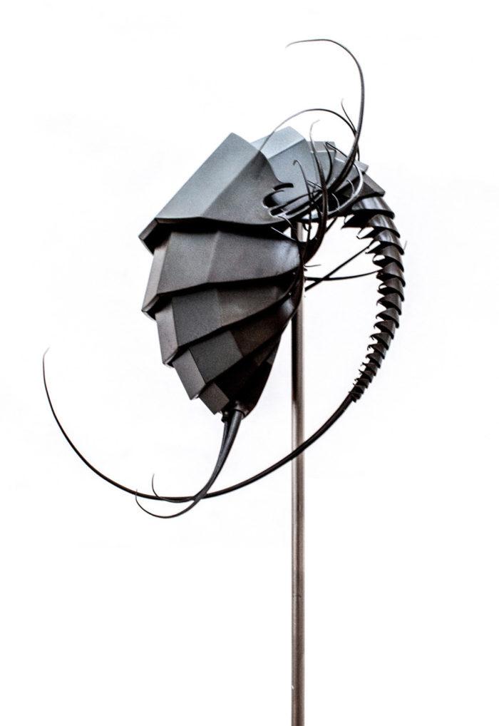sculture-metallo-creature-aliene-mylinh-nguyen-01