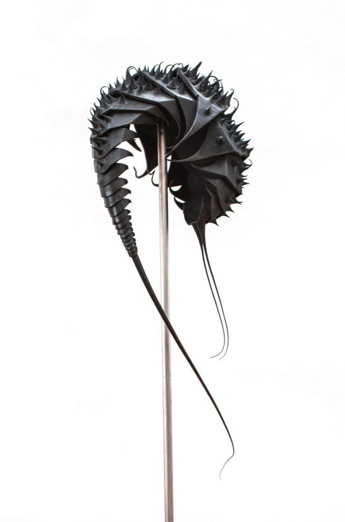 sculture-metallo-creature-aliene-mylinh-nguyen-04