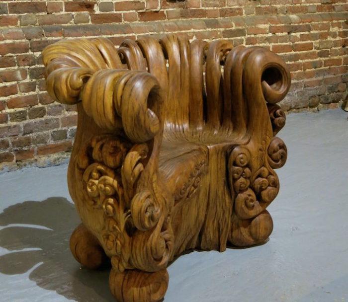 sedia-legno-scolpita-tronco-quercia-alex-johnson-03