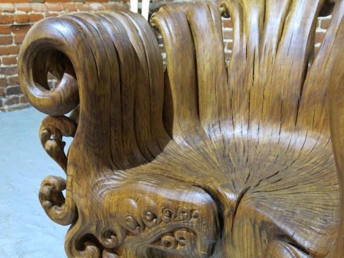 sedia-legno-scolpita-tronco-quercia-alex-johnson-05