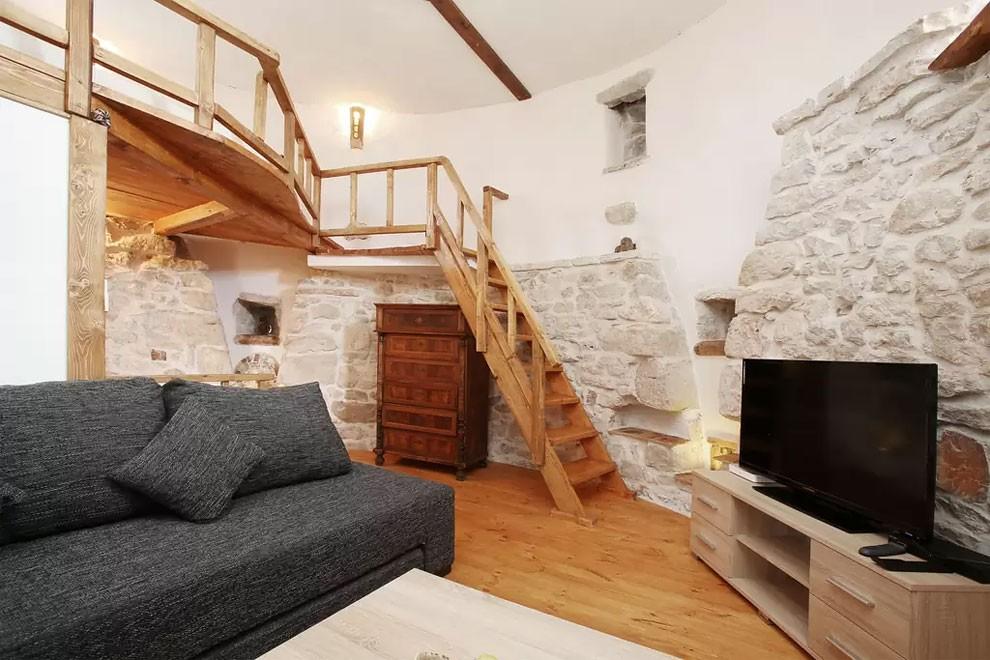 torre-mulino-antico-ristrutturato-casa-croazia-03