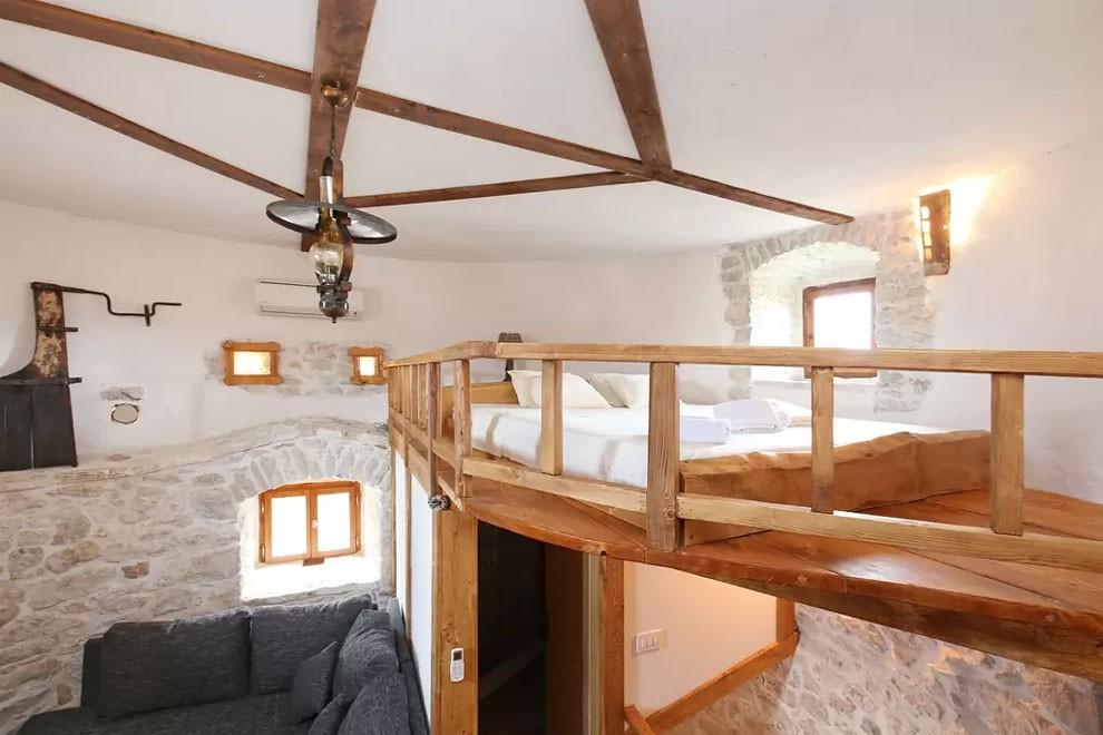 torre-mulino-antico-ristrutturato-casa-croazia-04