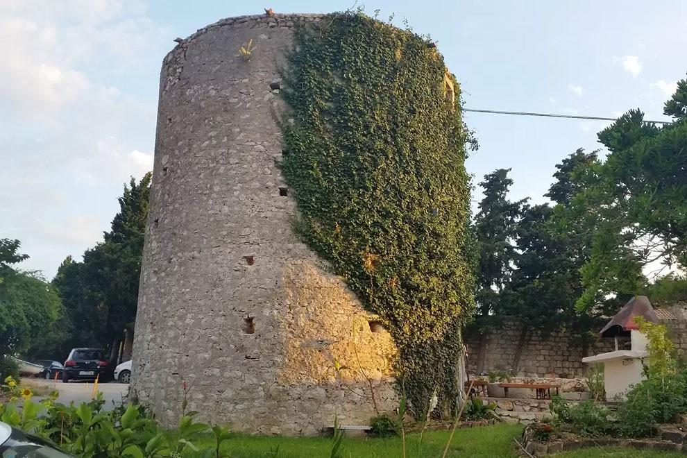 torre-mulino-antico-ristrutturato-casa-croazia-10