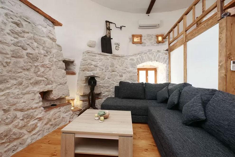 torre-mulino-antico-ristrutturato-casa-croazia-12