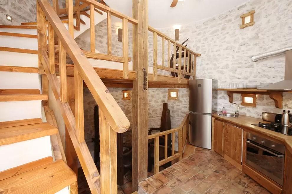torre-mulino-antico-ristrutturato-casa-croazia-16
