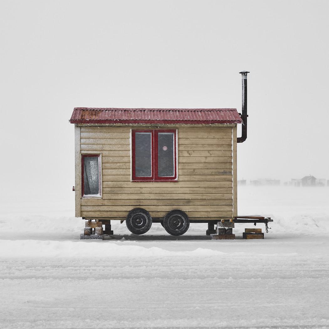 capanne-pesca-ghiaccio-canada-richard-johnson-01