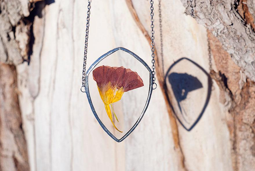 ciondoli-fiori-foglie-vetro-gioielli-korobkova-03