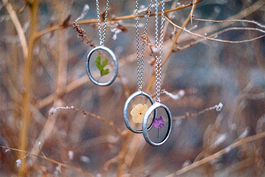 ciondoli-fiori-foglie-vetro-gioielli-korobkova-11