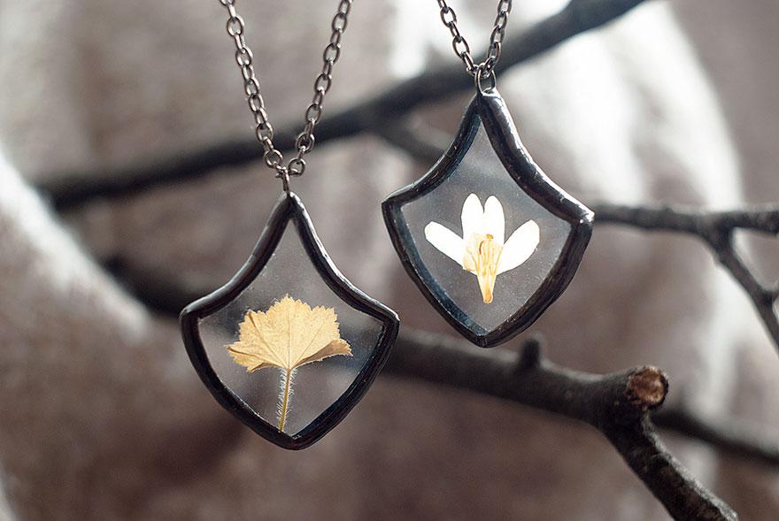 ciondoli-fiori-foglie-vetro-gioielli-korobkova-14