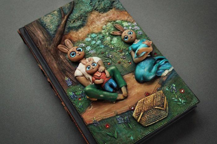 copertine-libri-riviste-tridimensionali-fatte-a-mano-aniko-kolesnikova-09