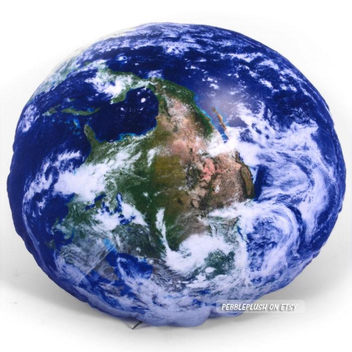 cuscini-pianeti-terra-luna-spazio-galassia-pebbleplush-4