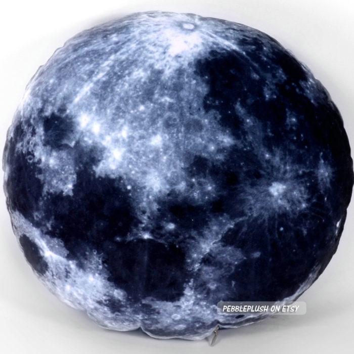 cuscini-pianeti-terra-luna-spazio-galassia-pebbleplush-5
