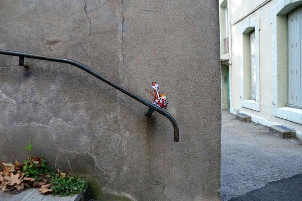 divertenti-atti-vandalismo-creativi-street-art-11