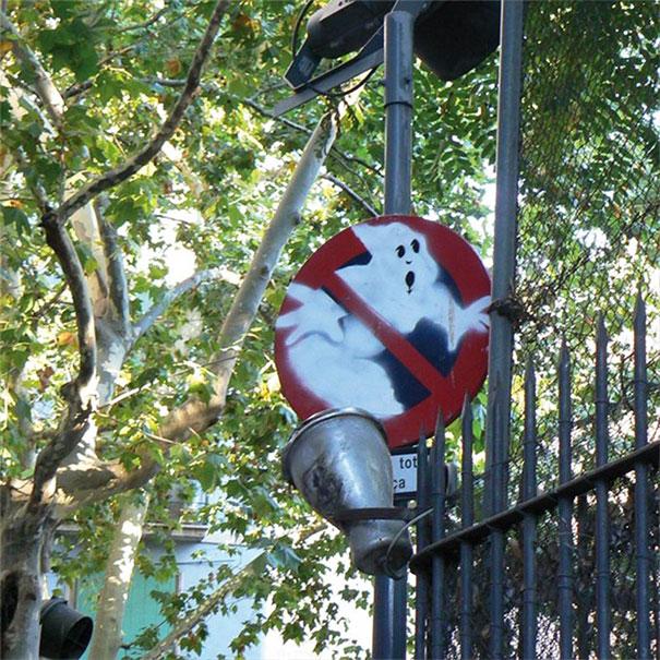 divertenti-atti-vandalismo-creativi-street-art-24