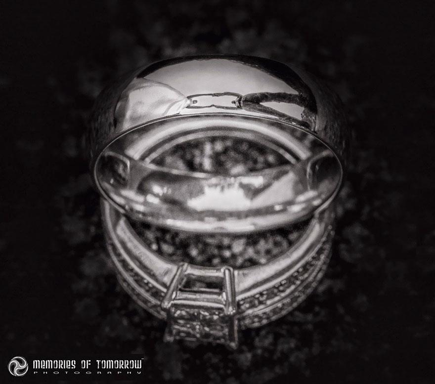 foto-matrimonio-sposi-riflessi-in-anelli-ringscapes-peter-adams-08