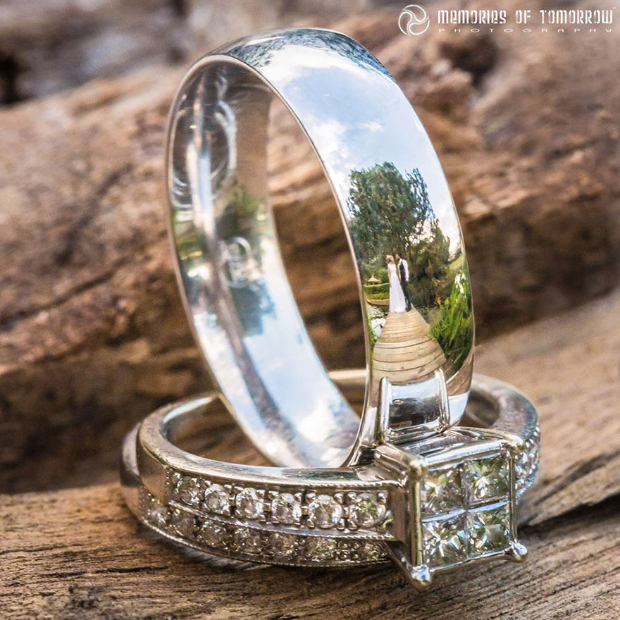 foto-matrimonio-sposi-riflessi-in-anelli-ringscapes-peter-adams-14
