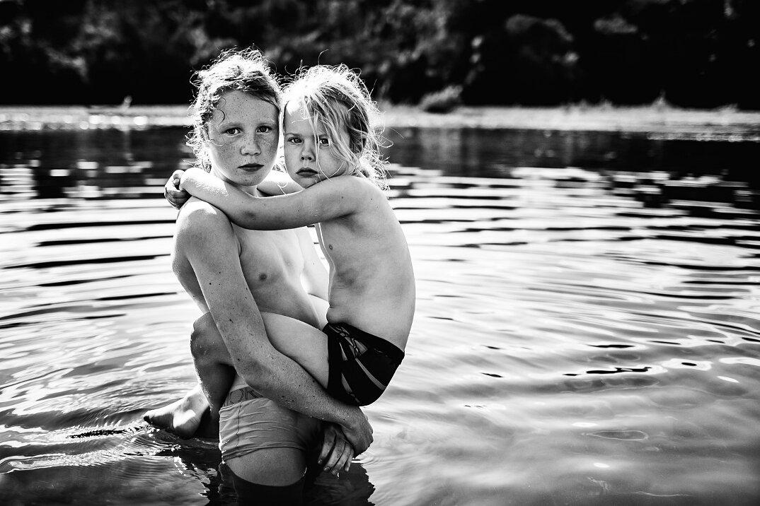 fotografia-bianco-nero-bambini-liberi-senza-elettronica-07