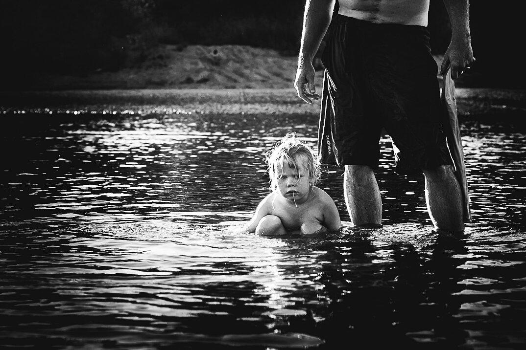fotografia-bianco-nero-bambini-liberi-senza-elettronica-10