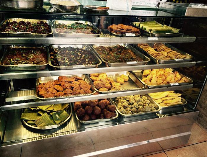 frigorifero-pubblico-senzatetto-strada-india-ristorante-2