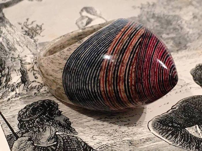 gioielli-fatti-con-libri-riciclati-jeremy-may-01