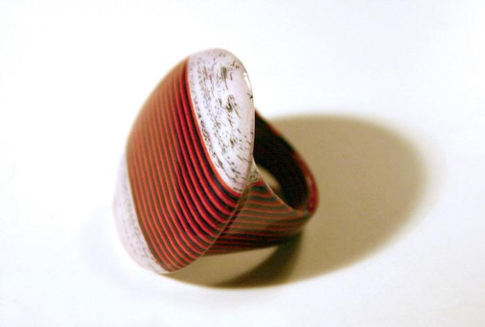 gioielli-fatti-con-libri-riciclati-jeremy-may-07