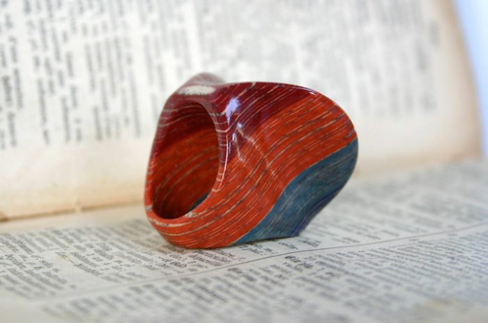gioielli-fatti-con-libri-riciclati-jeremy-may-09