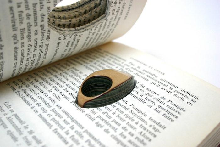 gioielli-fatti-con-libri-riciclati-jeremy-may-10