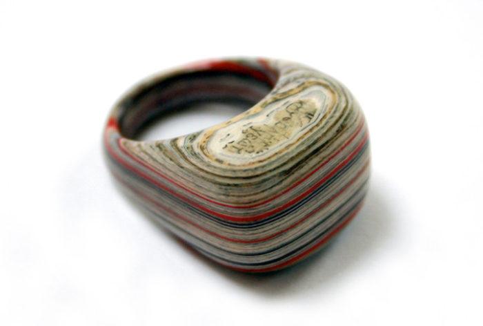 gioielli-fatti-con-libri-riciclati-jeremy-may-12